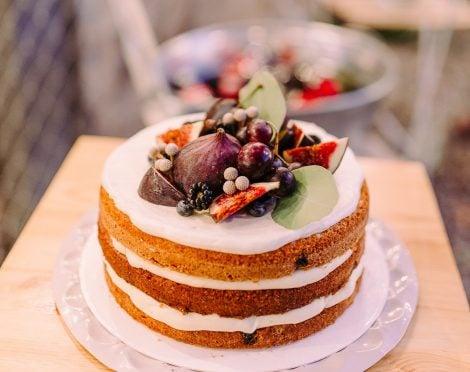 Stunning vegan carrot cake thumbnail